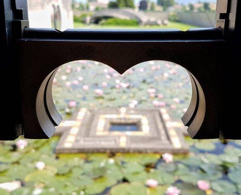 Tomba Brion _ lo stagno delle ninfee dal padiglione della meditazione